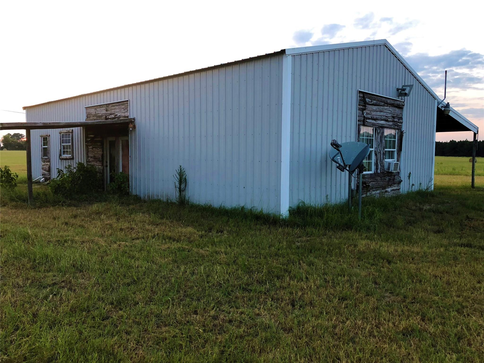 1209 County Road 2310 Property Photo - Grapeland, TX real estate listing