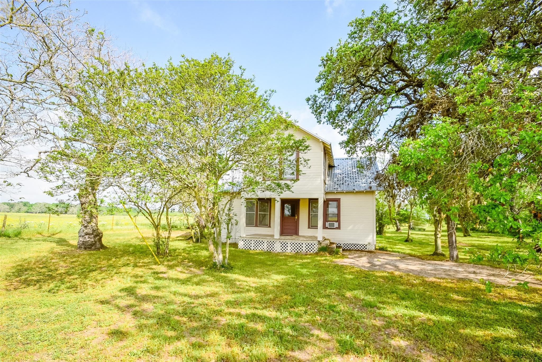 4501 Mullins Prairie Loop Property Photo