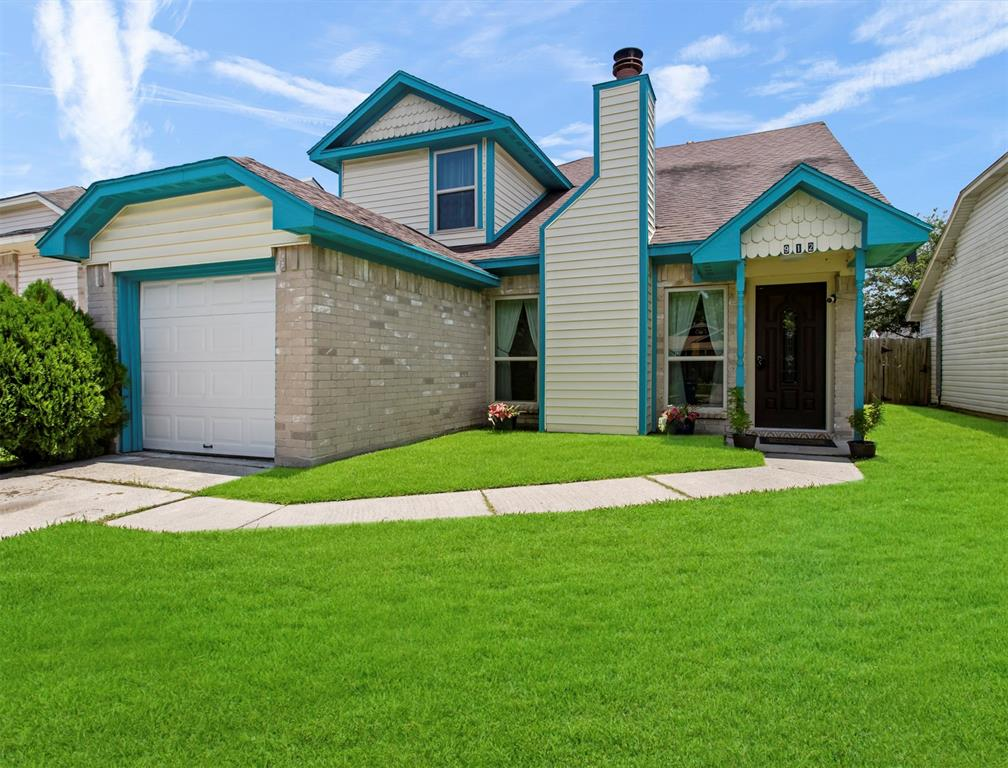 912 Macclesby Lane Property Photo - Channelview, TX real estate listing
