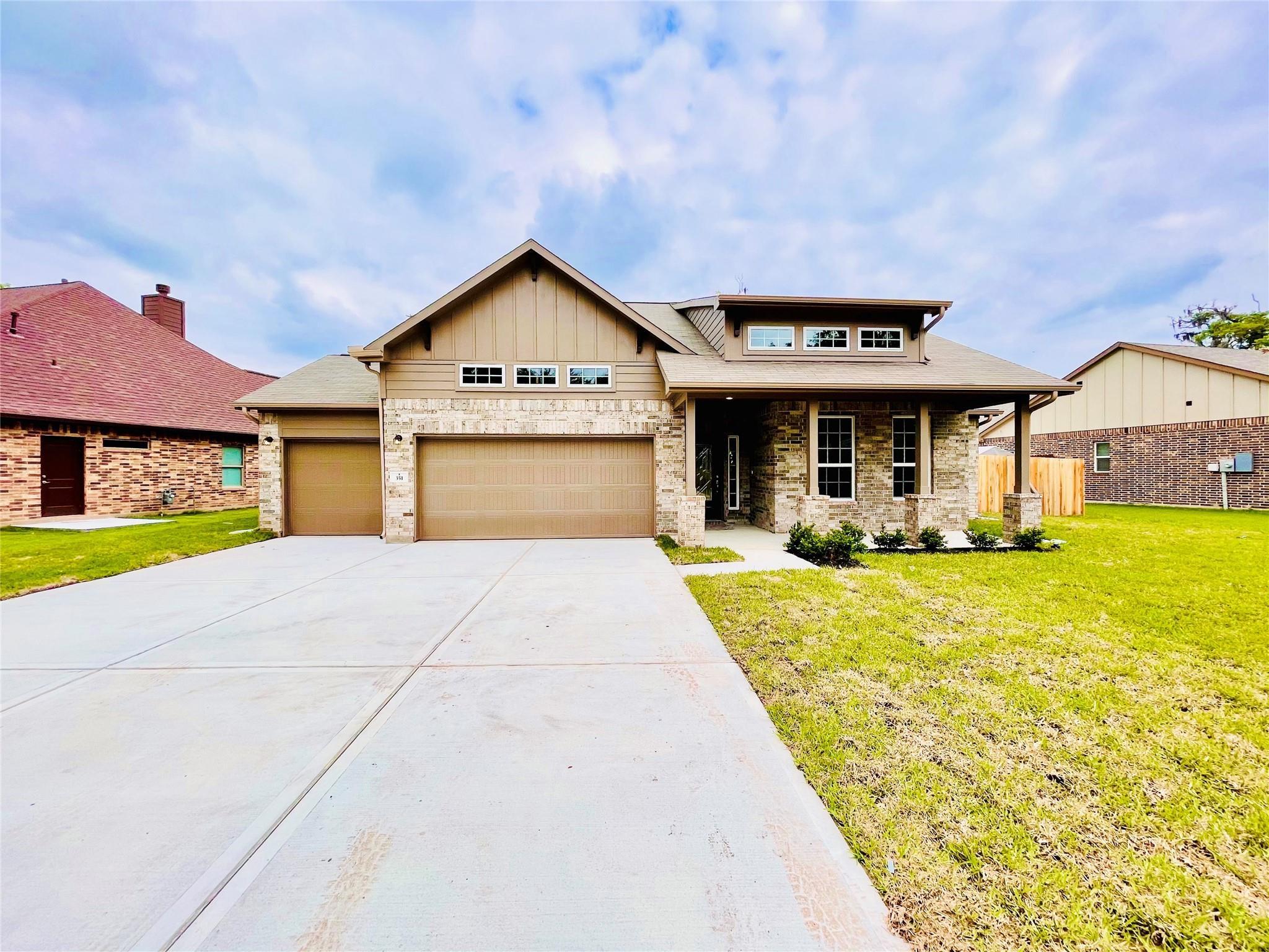 351 Twin Lakes Blvd W Property Photo