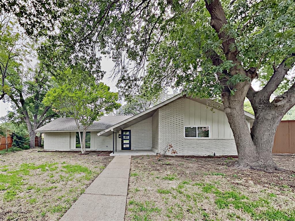 3229 Merrell Circle Property Photo - Dallas, TX real estate listing