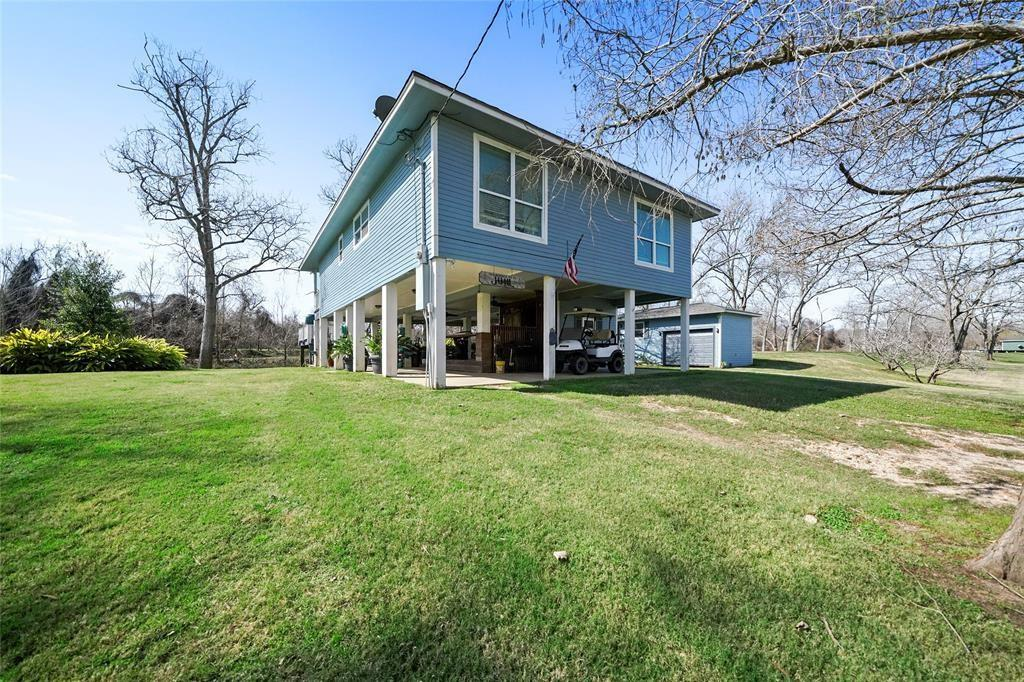 848 Exotic Isle Street Property Photo - Bay City, TX real estate listing