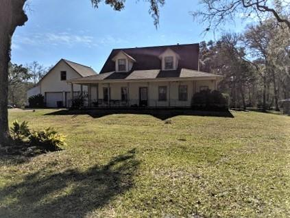 20407 Deer Run Road Property Photo - Damon, TX real estate listing