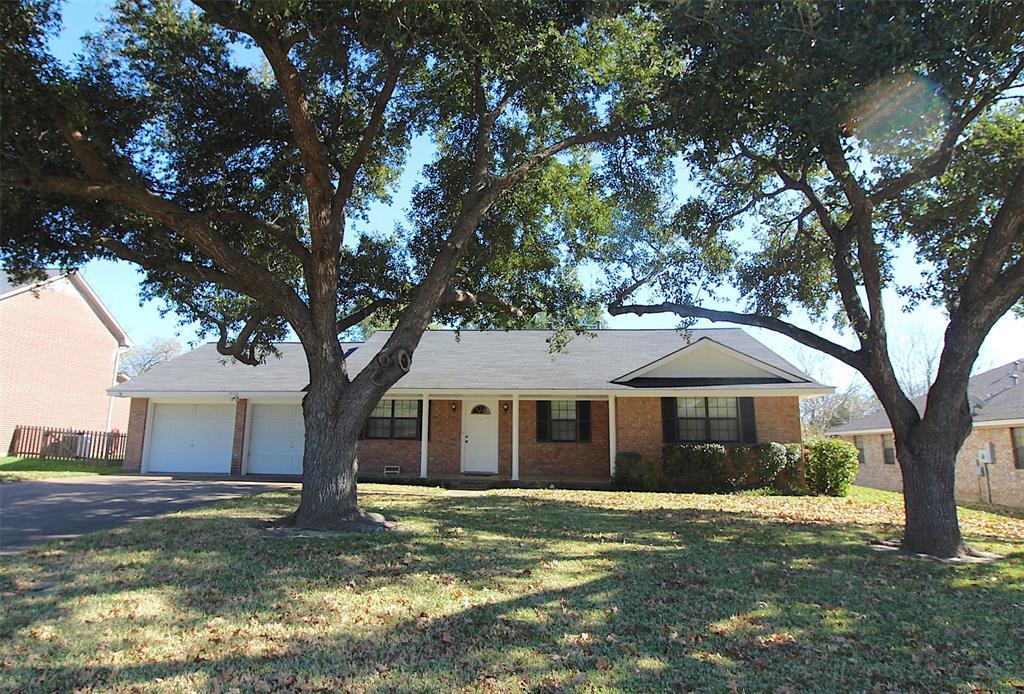 2506 Brookbend Drive, Brenham, TX 77833 - Brenham, TX real estate listing