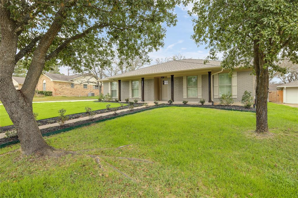 2907 River Oaks Circle, Bryan, TX 77802 - Bryan, TX real estate listing