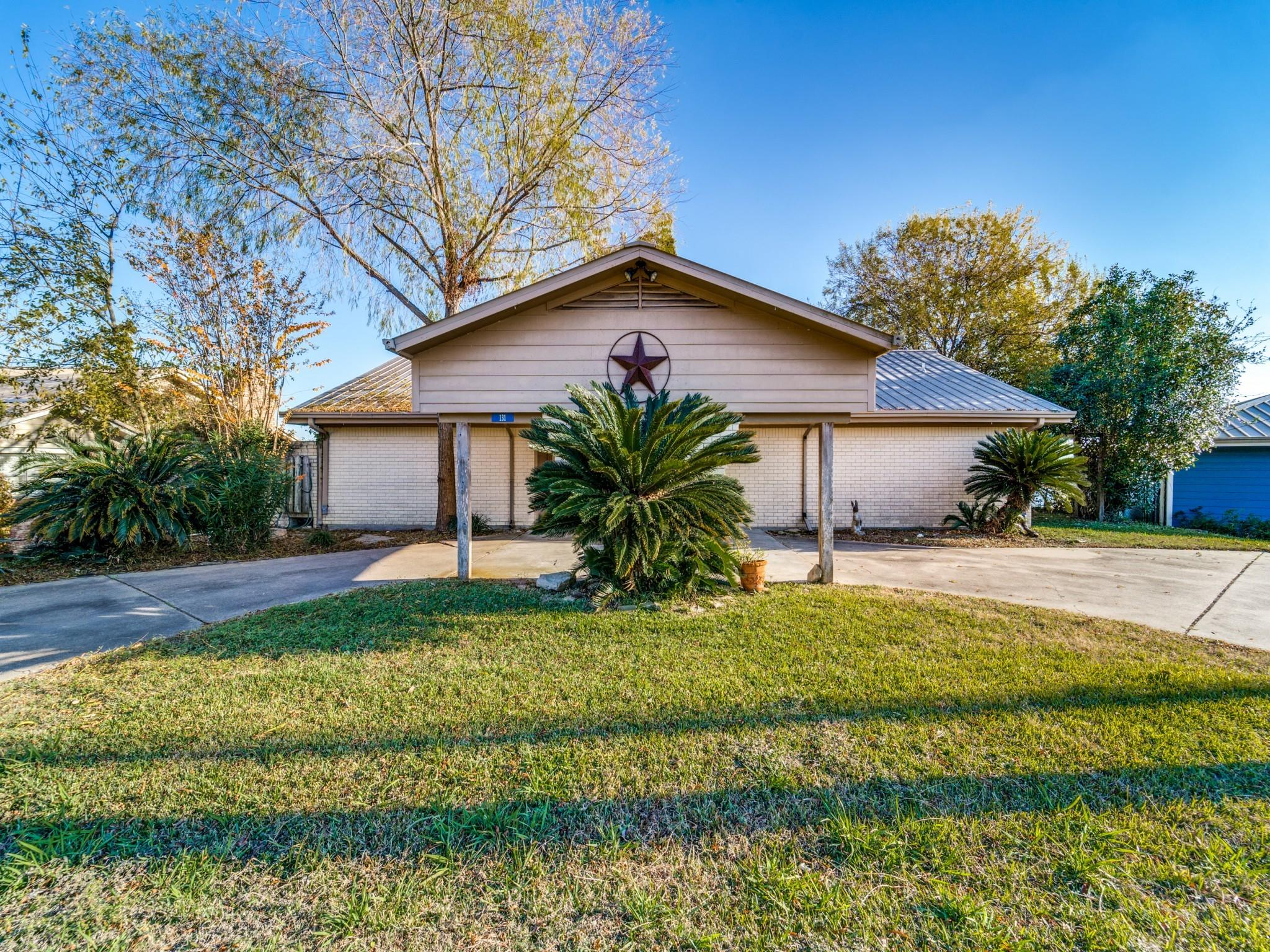 131 W Lakeview Drive Property Photo - Point Blank, TX real estate listing