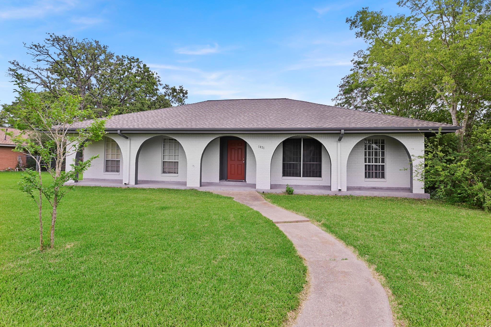 1031 Rose Circle Property Photo