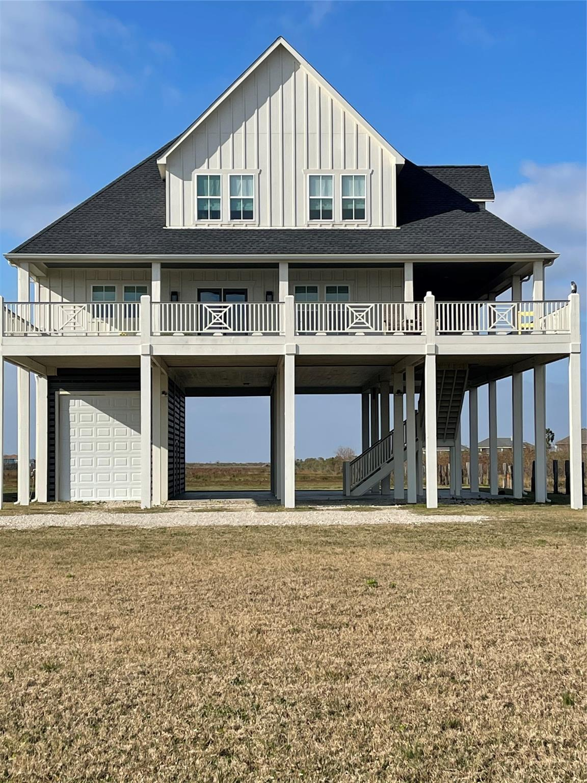 189 Ocean Shores Drive Property Photo - Crystal Beach, TX real estate listing