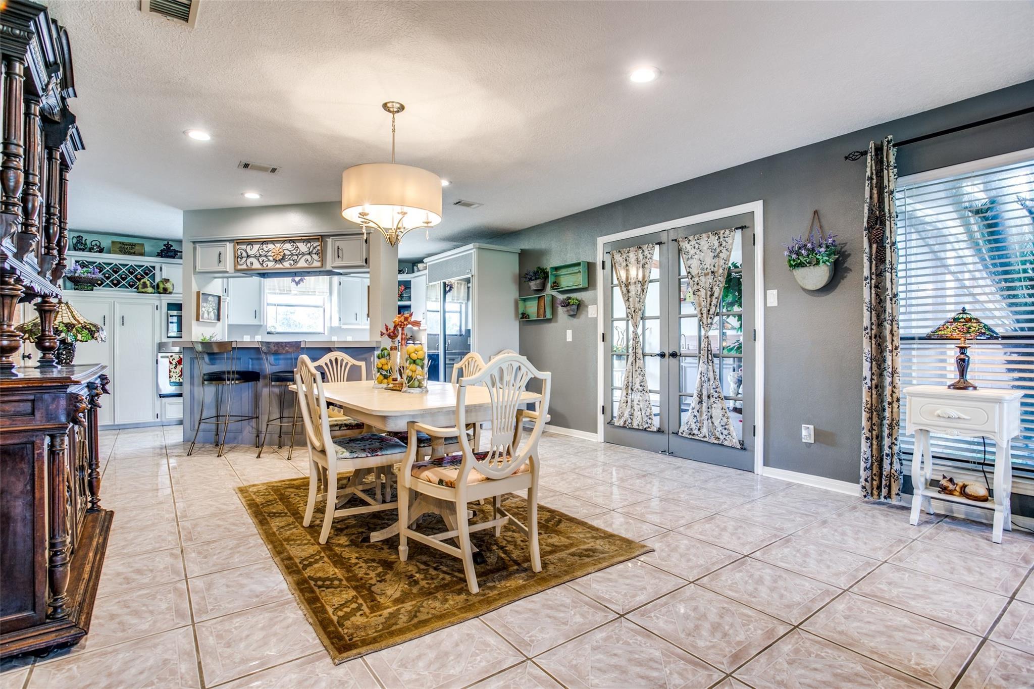 11927 Cedar Gully Road Property Photo - Beach City, TX real estate listing