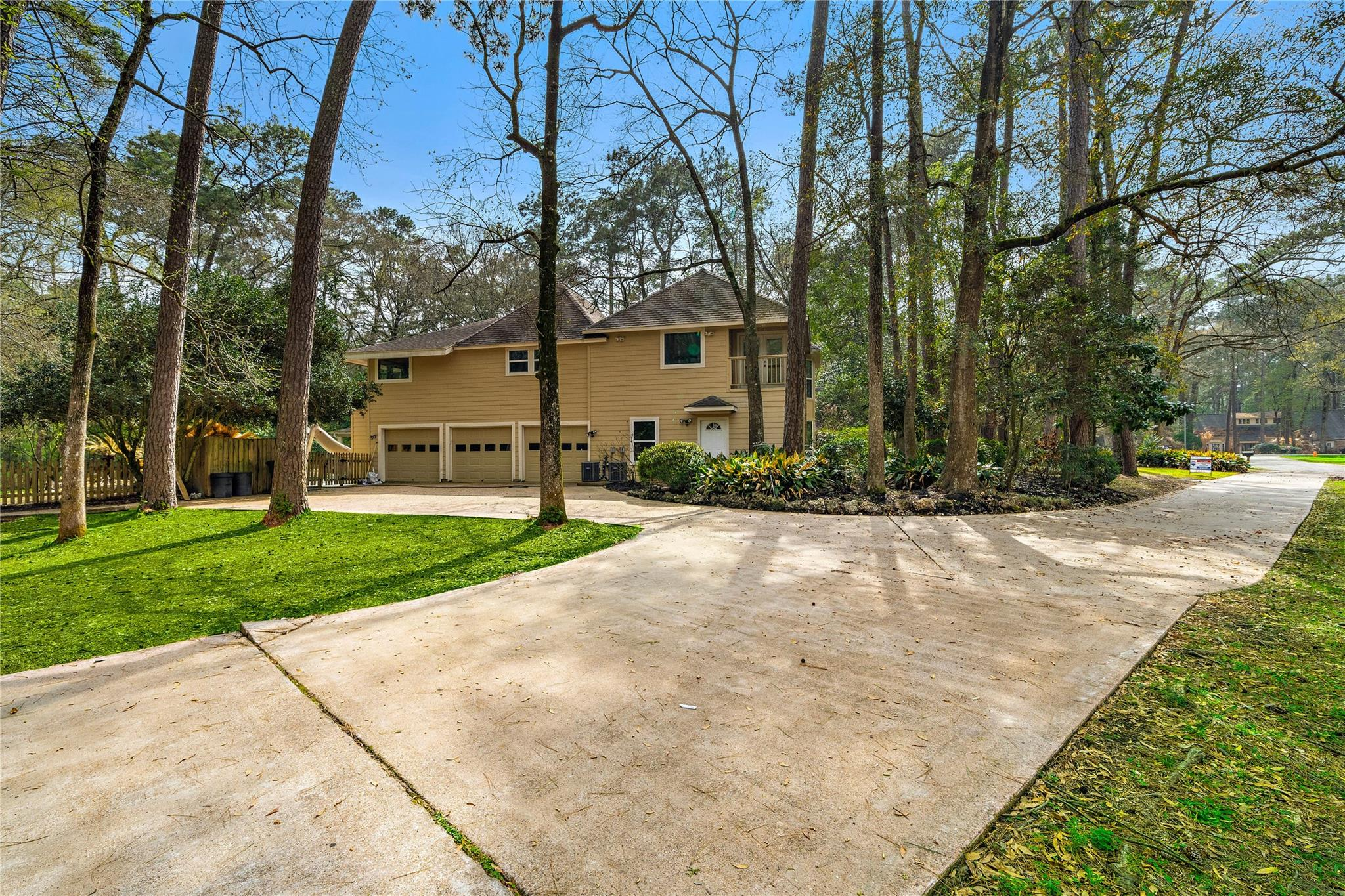 2915 Kings Forest Drive Property Photo - Houston, TX real estate listing