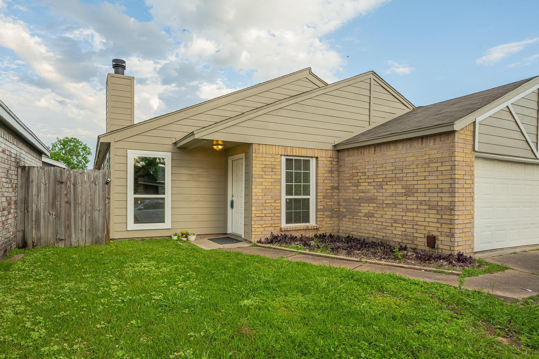 6403 Grandvale Dr Property Photo - Houston, TX real estate listing