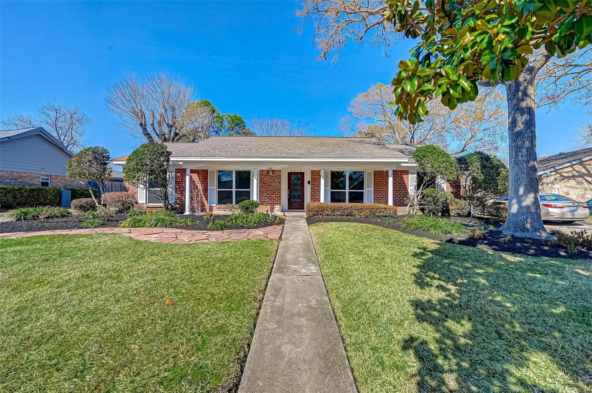 8210 Braesdale Lane Property Photo