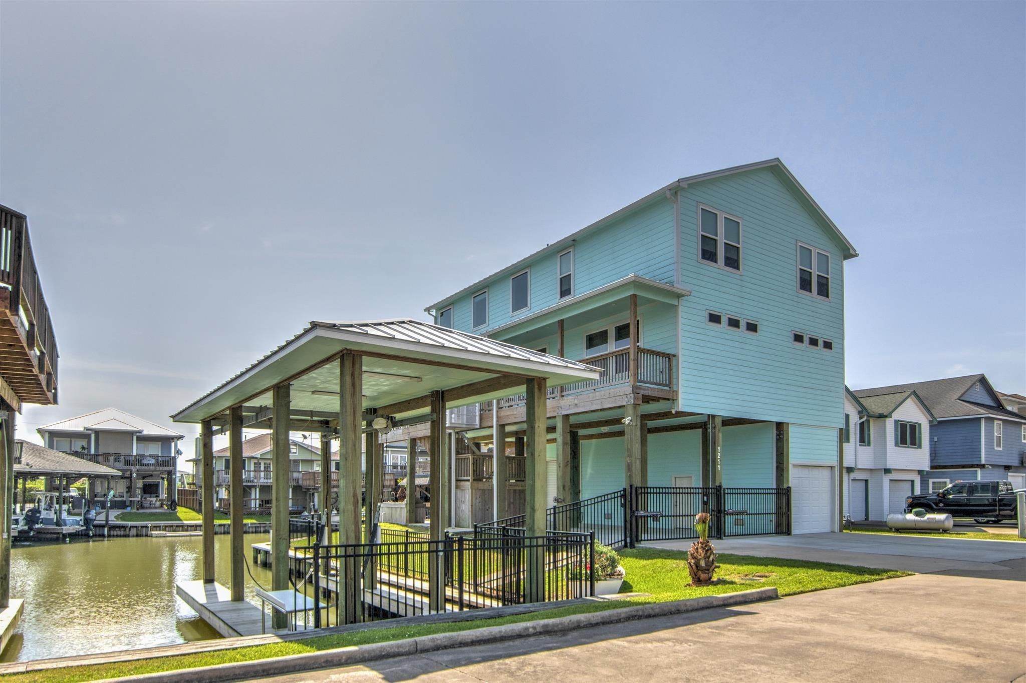 1211 Island Drive Property Photo