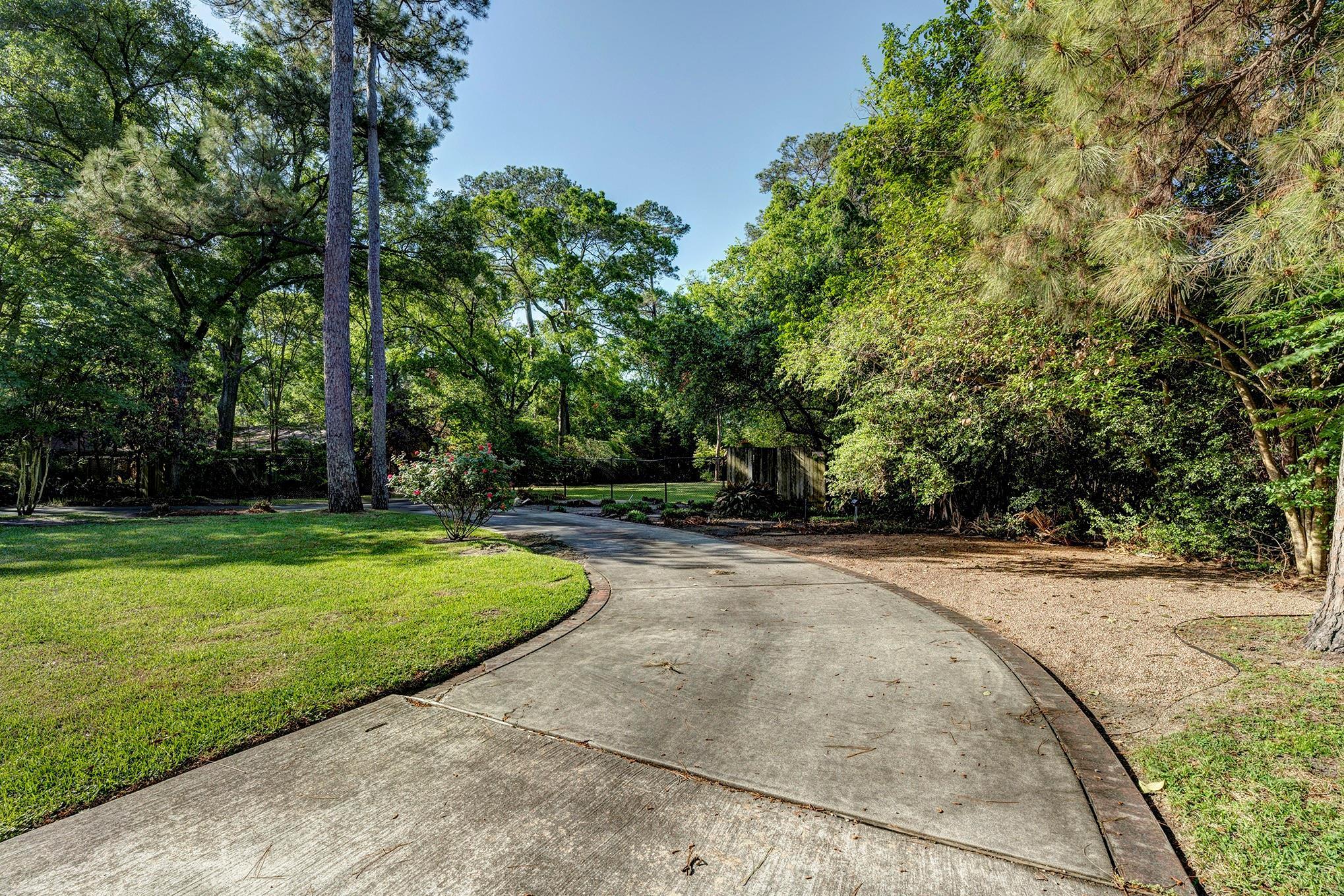 1035 Ridgeley Drive Property Photo