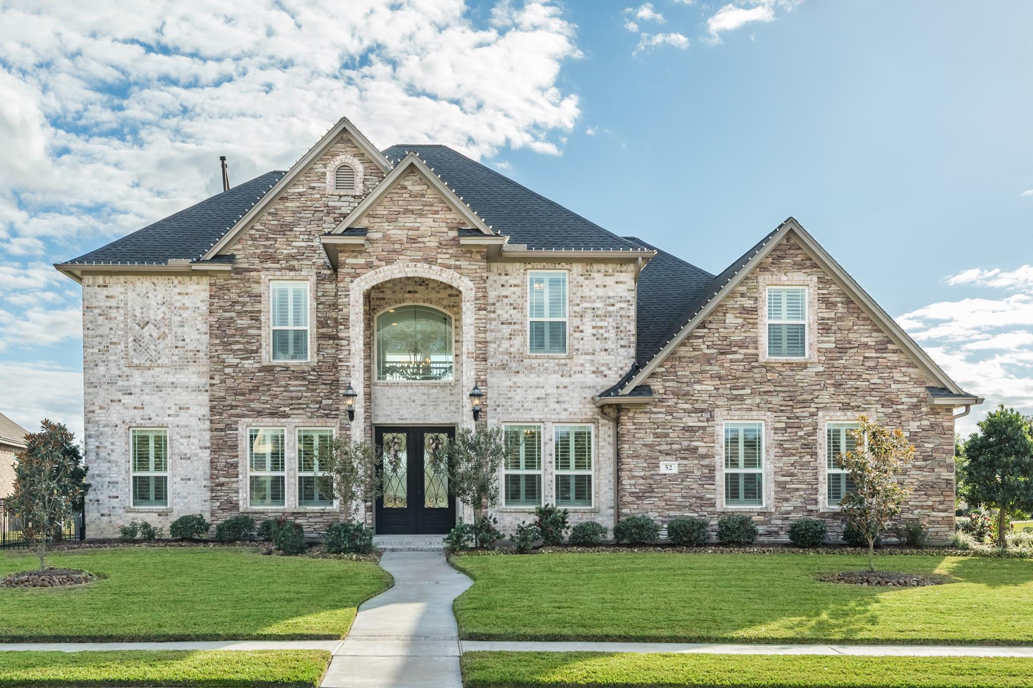 52 Deerwood Court Property Photo - Lake Jackson, TX real estate listing