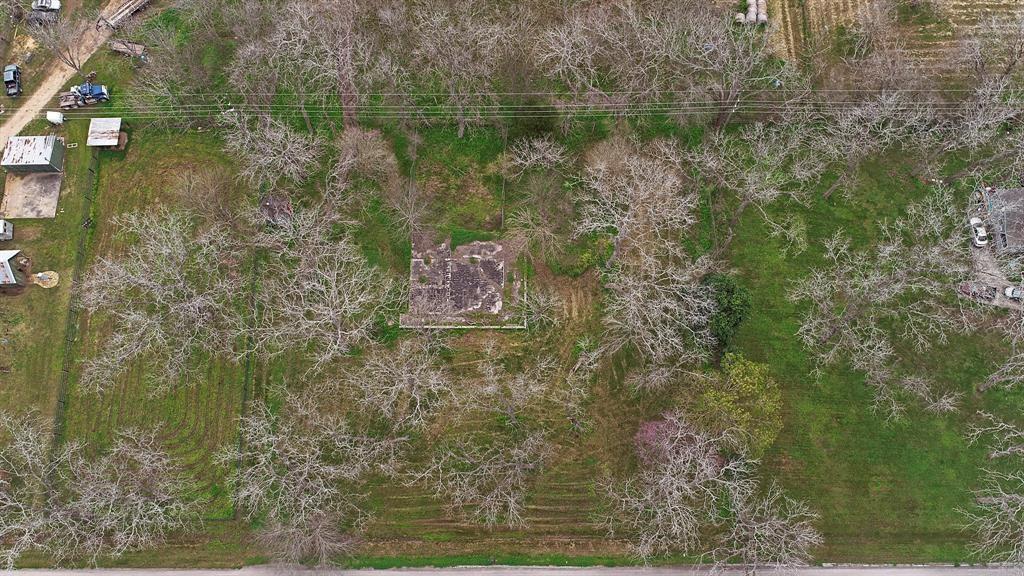 409 Wagon Road Property Photo - Simonton, TX real estate listing