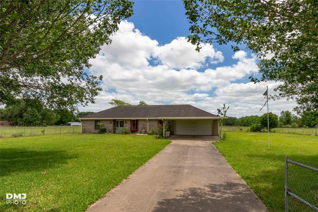 16013 Westbury Property Photo - Beaumont, TX real estate listing