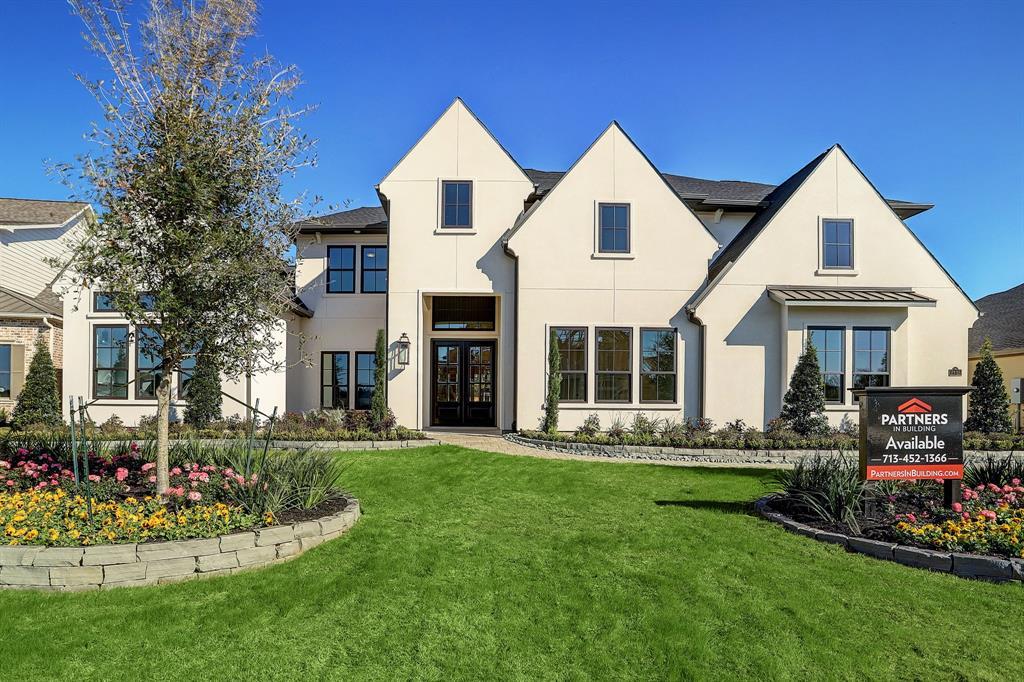2115 Coach Street Property Photo - Conroe, TX real estate listing