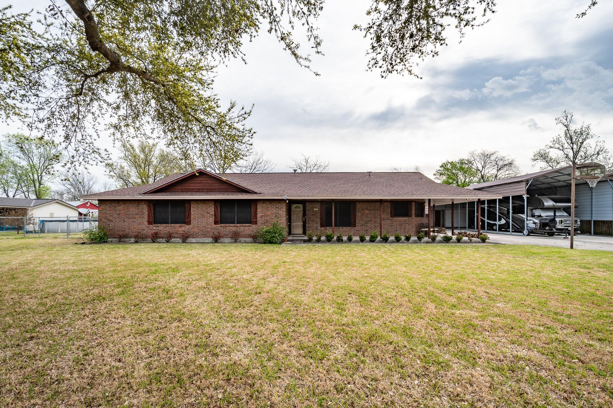 107 Mizell Street Property Photo - Highlands, TX real estate listing