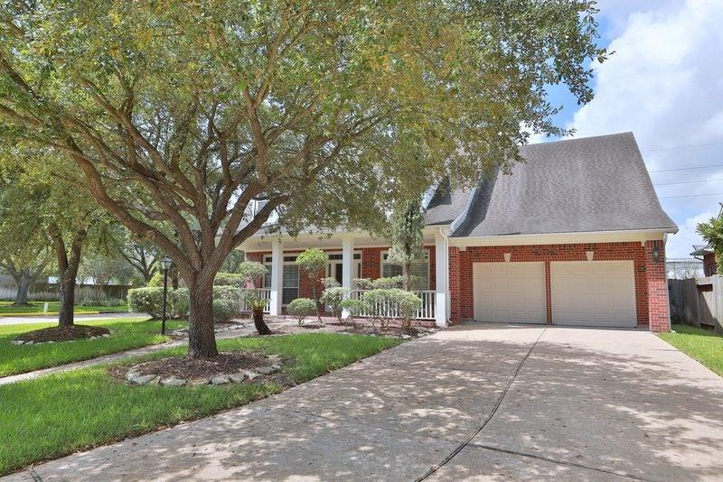 3636 Shadow Cove Drive Property Photo - Houston, TX real estate listing