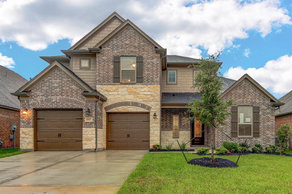 18927 Cypress Bay Drive Property Photo - Houston, TX real estate listing
