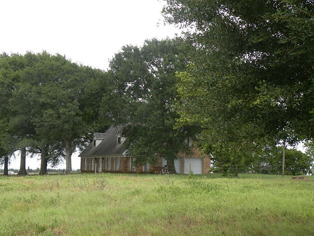7392 Theldick Property Photo - Bleiblerville, TX real estate listing