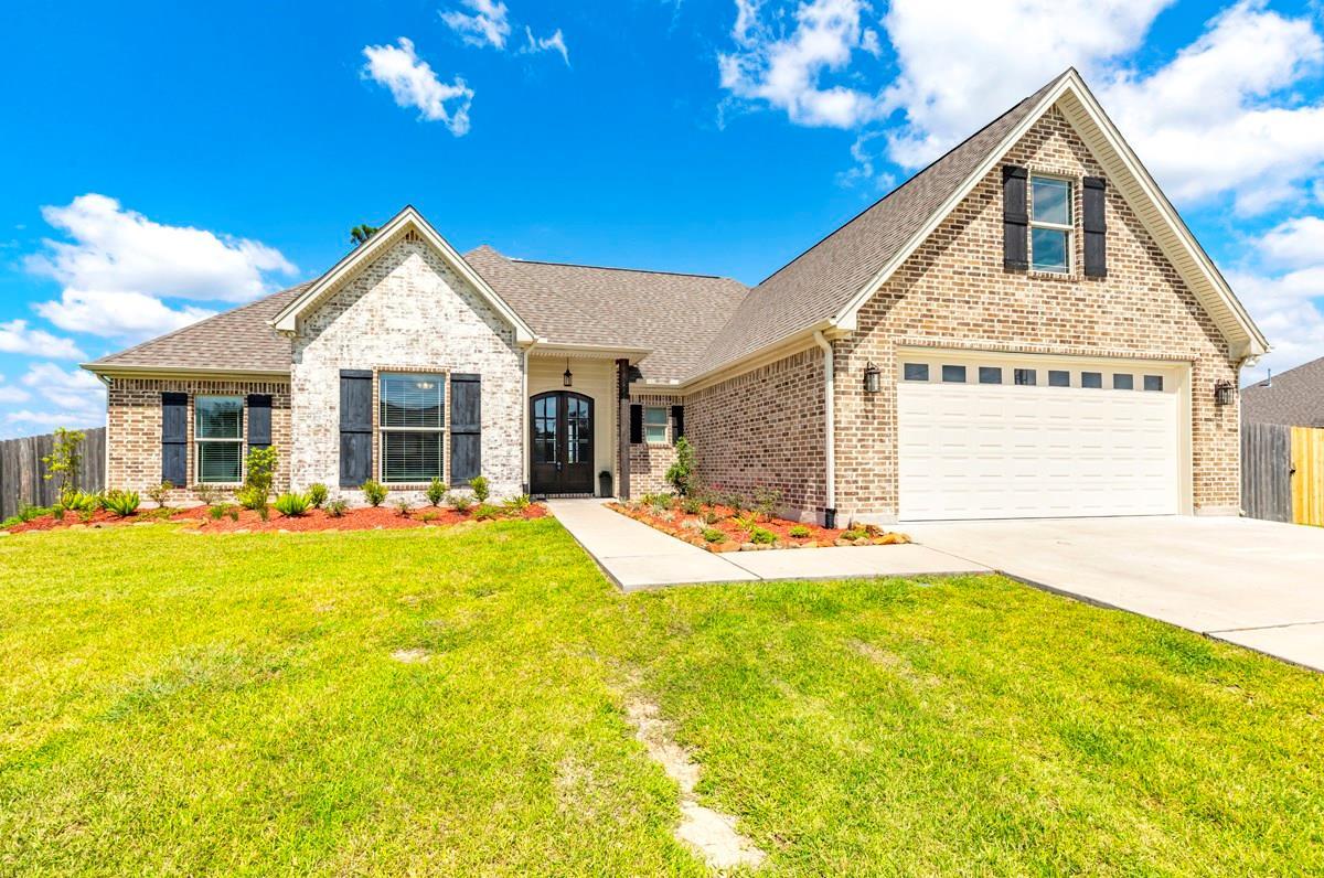 624 Frontier Drive Property Photo - Bridge City, TX real estate listing