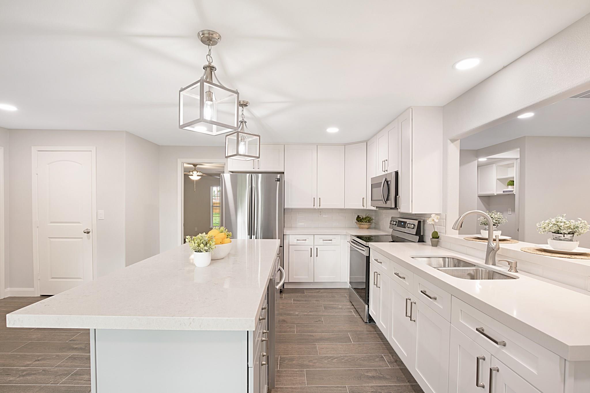 411 Texas Avenue Property Photo - Arcola, TX real estate listing