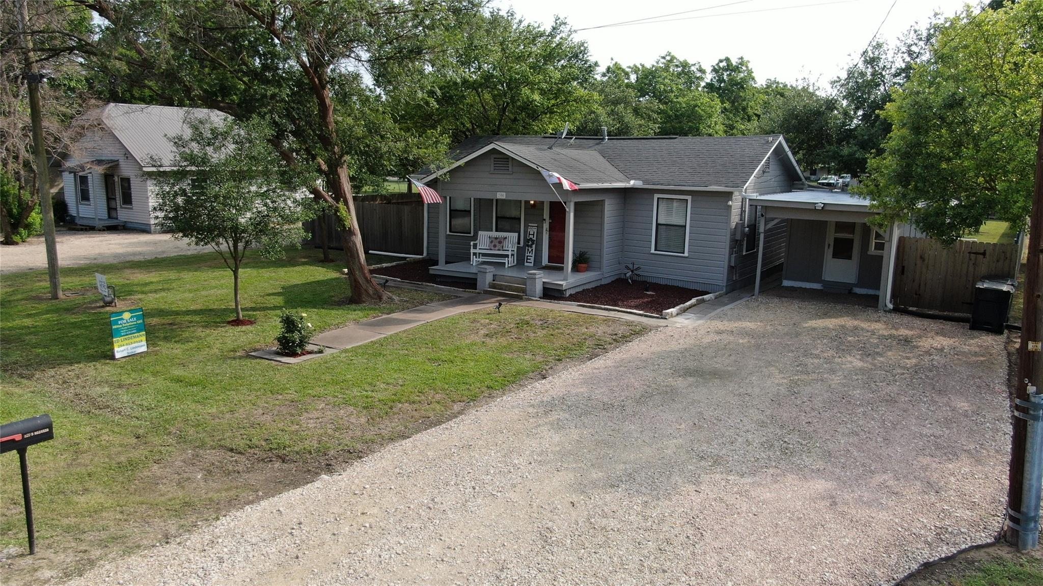 300 S Roswell Street Property Photo