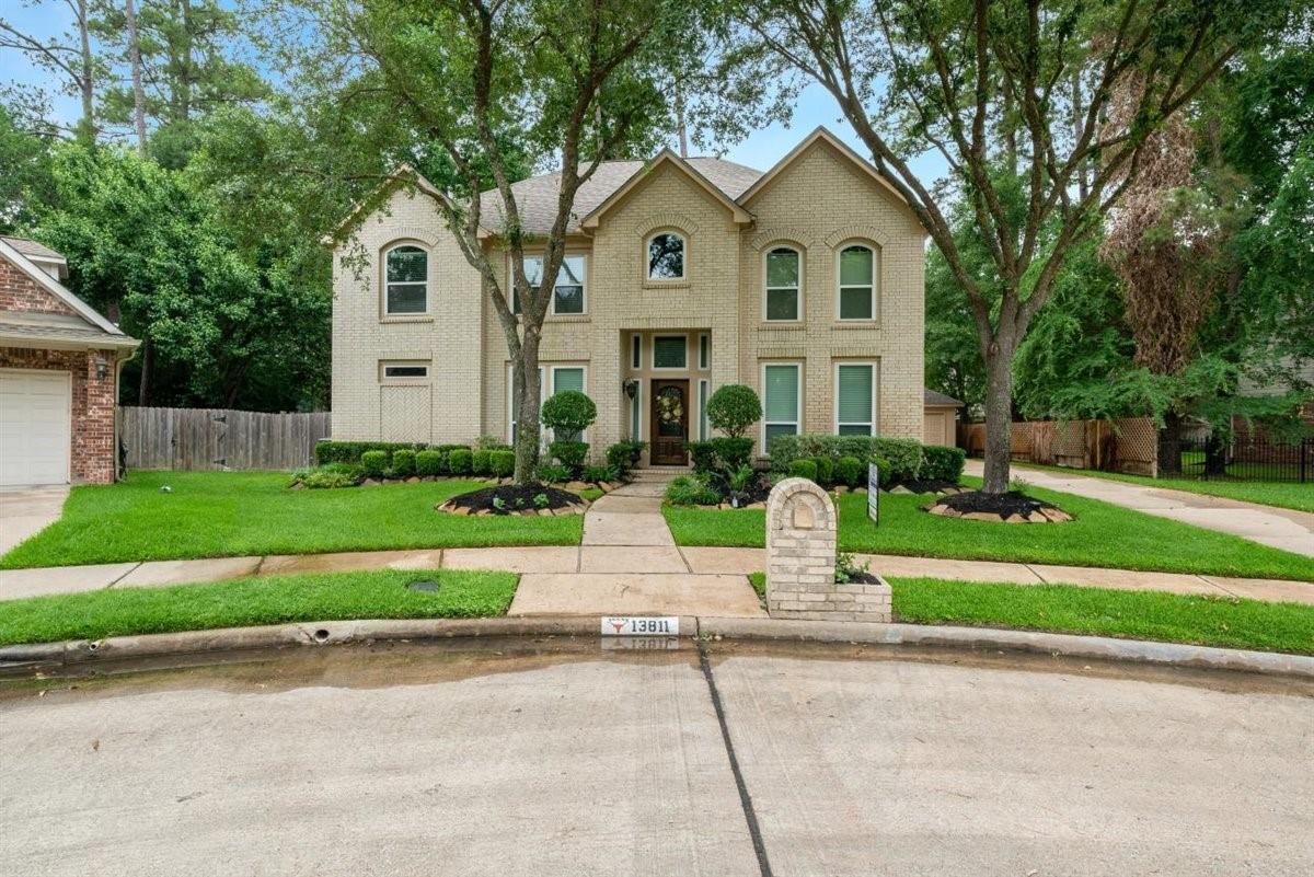13811 Lakewood Crossing Boulevard Property Photo
