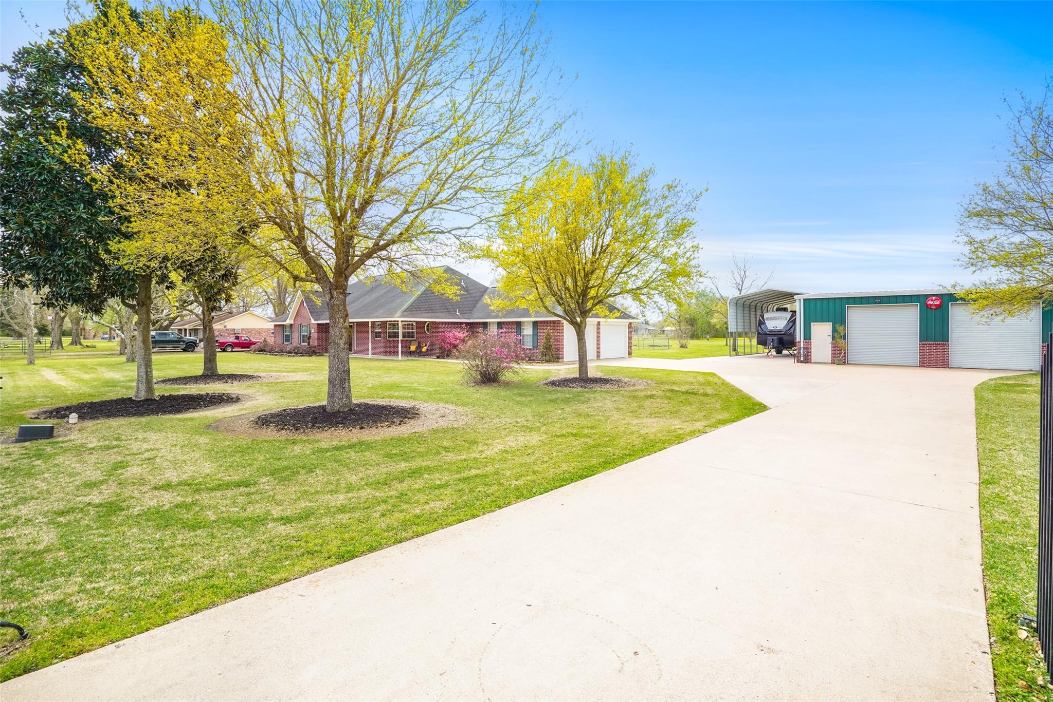 408 Center Street Property Photo - Highlands, TX real estate listing