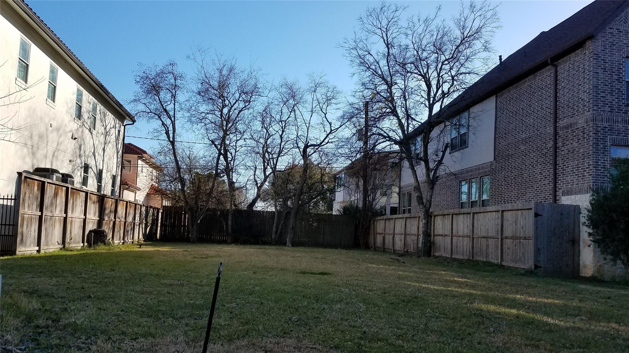 4303 Holt Street Property Photo