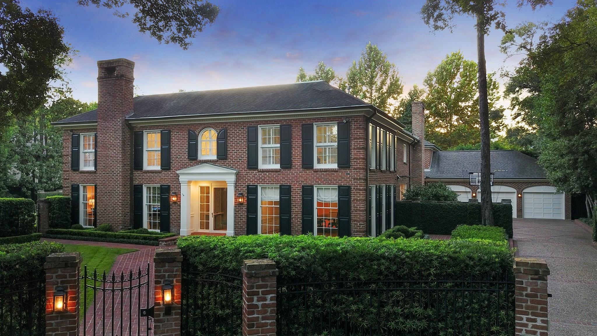 2406 River Oaks Boulevard Property Photo