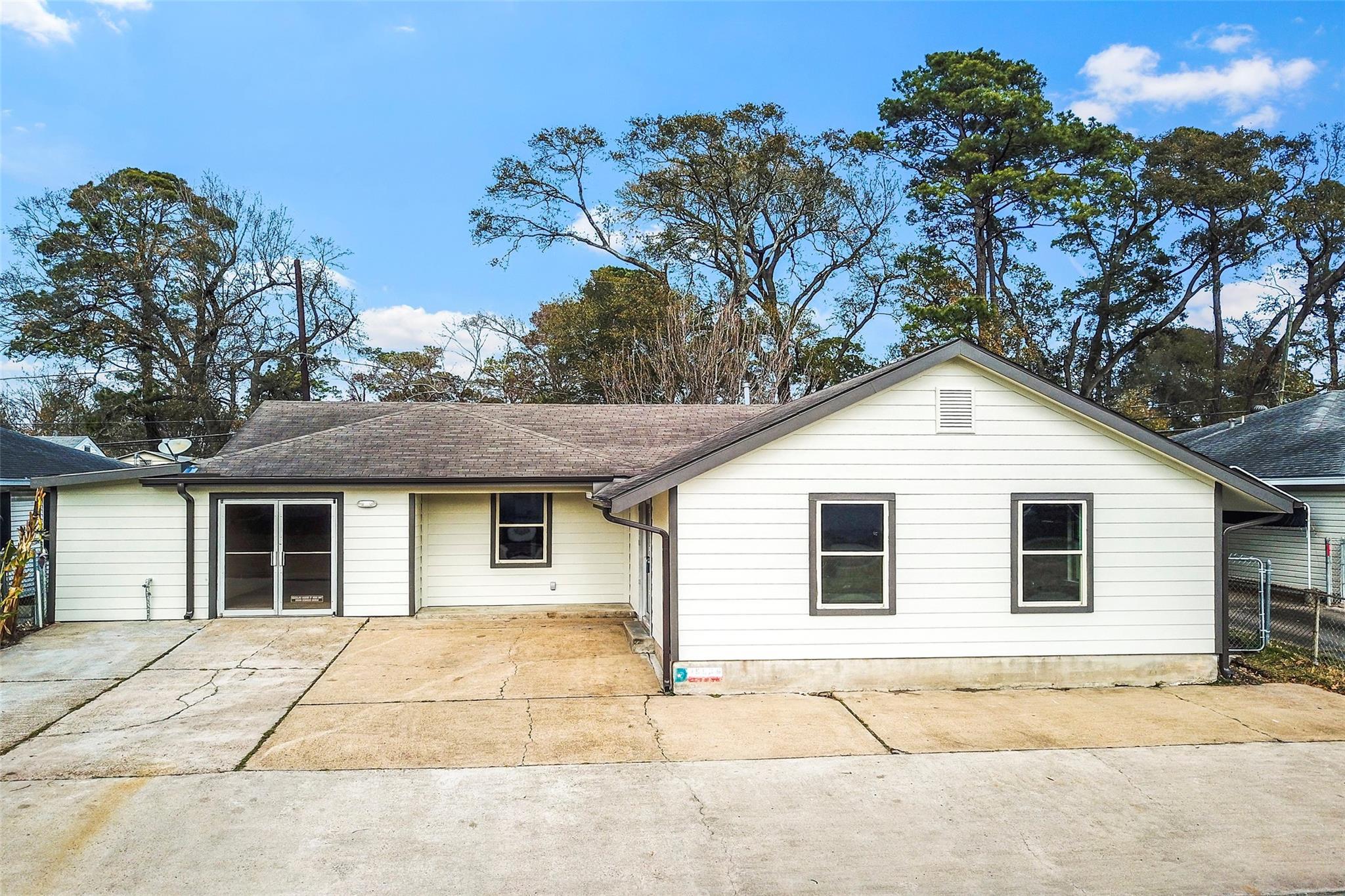 15605 Woodforest Boulevard #1 Property Photo