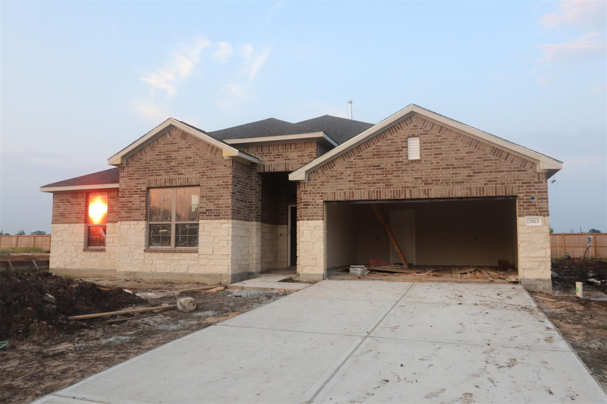 2815 Tumlinson Drive Property Photo
