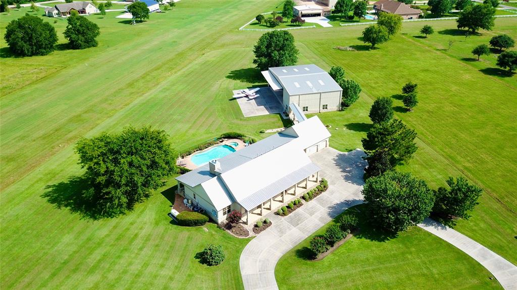 16 Long Horn Loop Court Property Photo - New Waverly, TX real estate listing