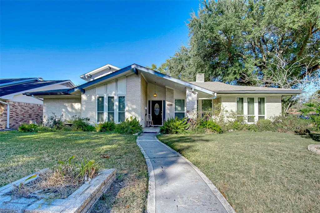 8402 Braesdale Lane, Houston, TX 77071 - Houston, TX real estate listing
