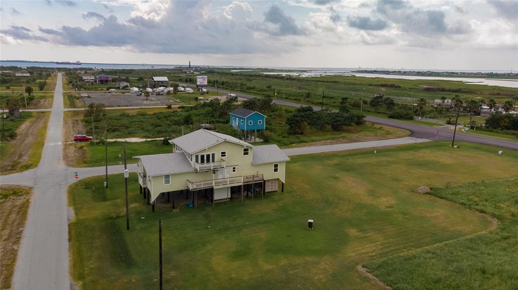 920 17th Street Property Photo - Port Bolivar, TX real estate listing