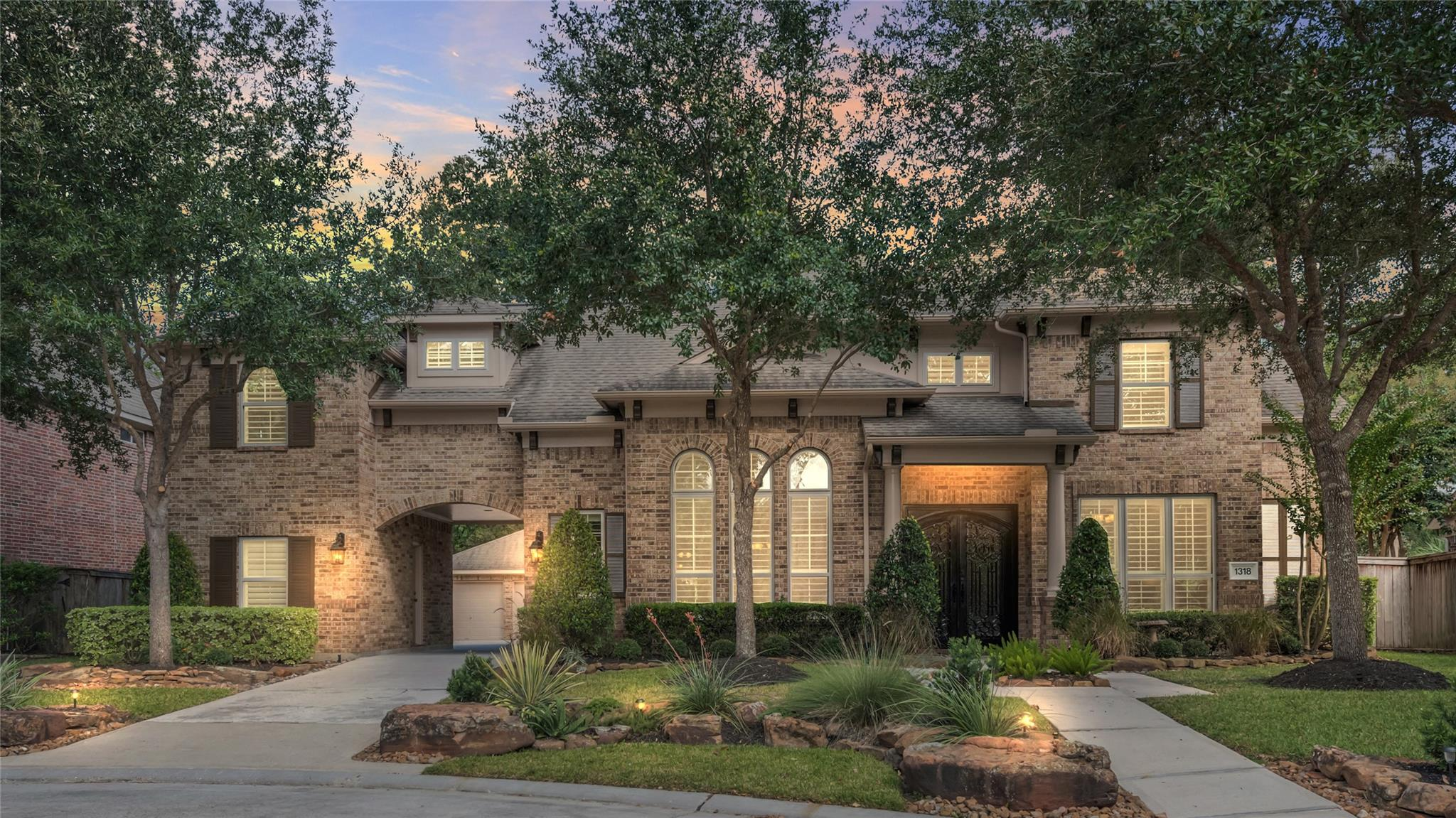 1318 Regal Shores Court Property Photo - Kingwood, TX real estate listing