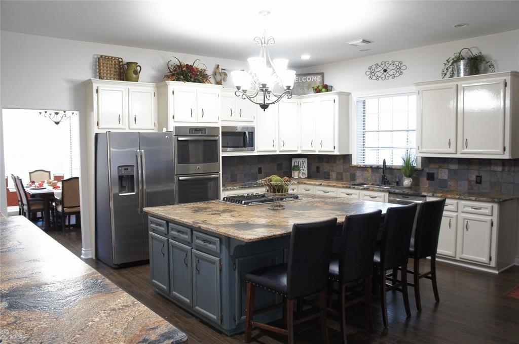 1014 Vista Del Lago Drive, Huffman, TX 77336 - Huffman, TX real estate listing