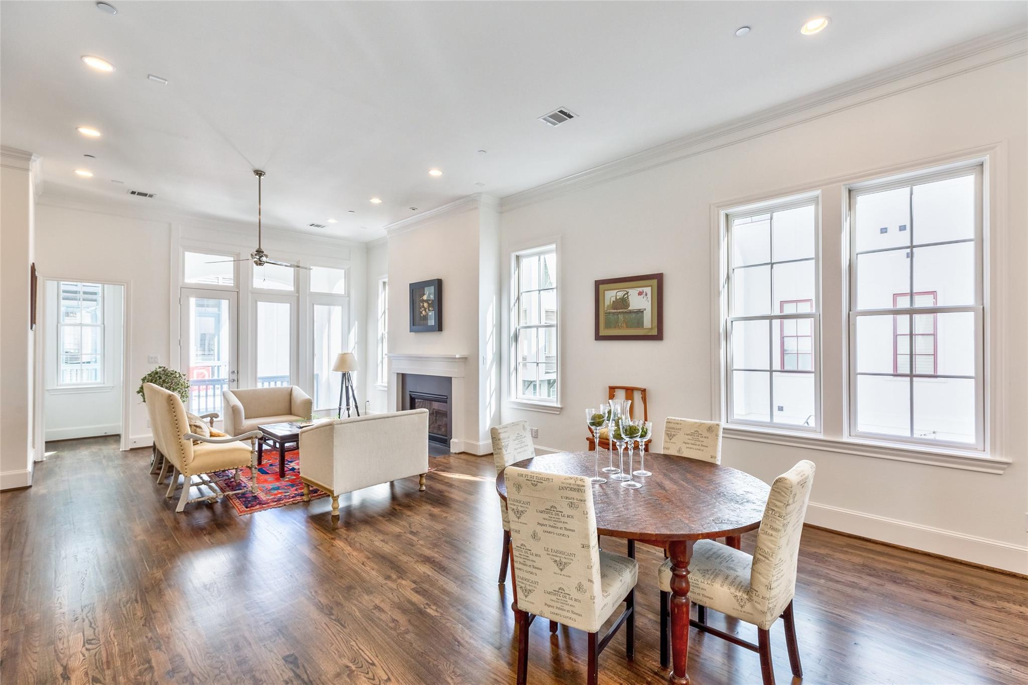 703 Bringhurst Street Property Photo - Houston, TX real estate listing