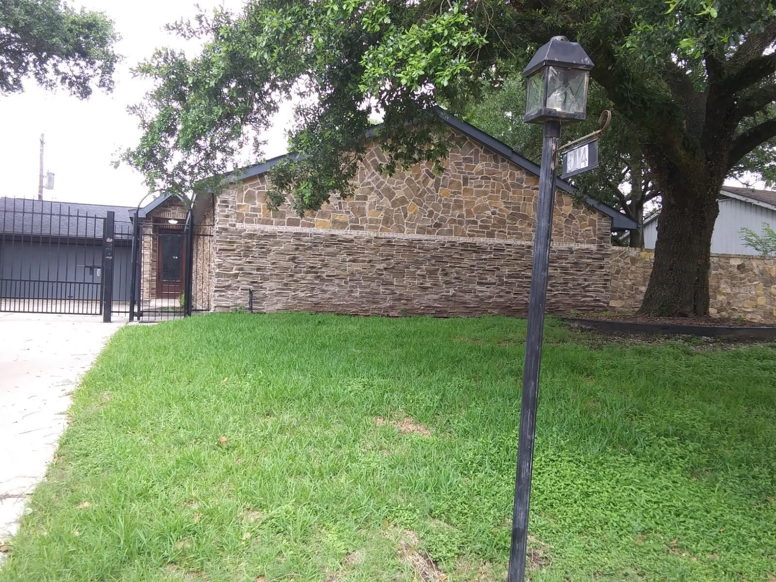 514 Briar Hill Drive Property Photo 1