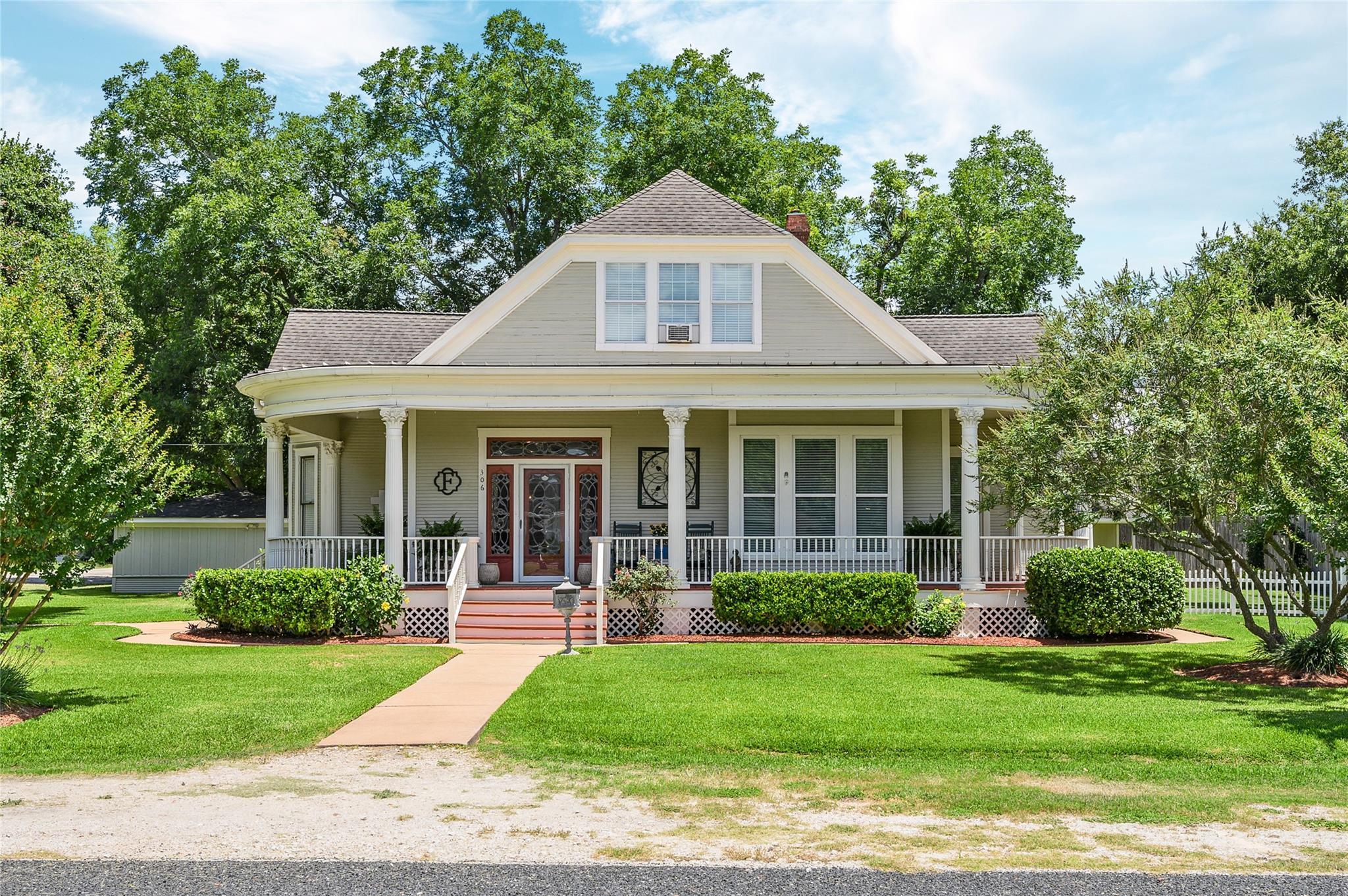 306 W Church Street Property Photo