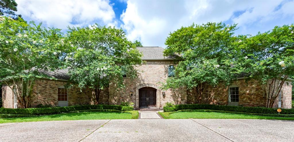 130 Central Caldwood Drive, Beaumont, TX 77707 - Beaumont, TX real estate listing