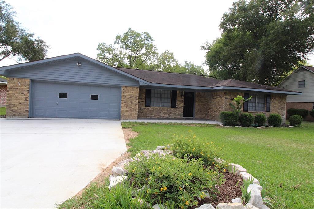 1009 Clearspring Drive, Brenham, TX 77833 - Brenham, TX real estate listing