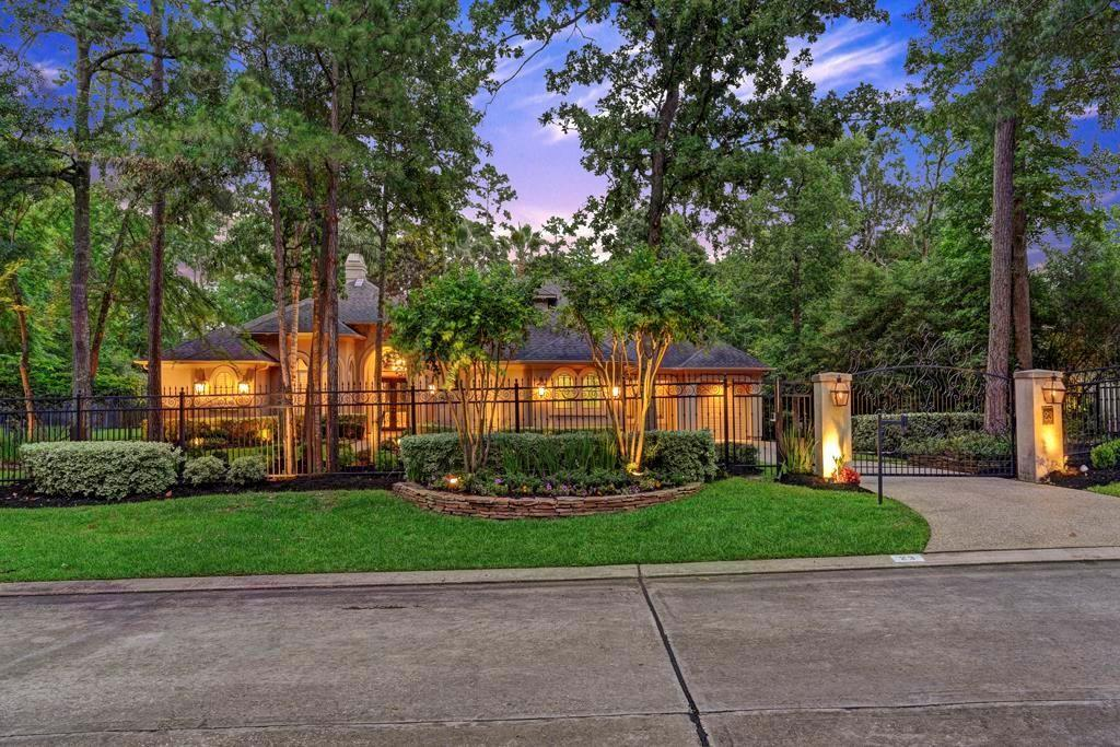 23 N Heritage Hill Circle Property Photo - The Woodlands, TX real estate listing