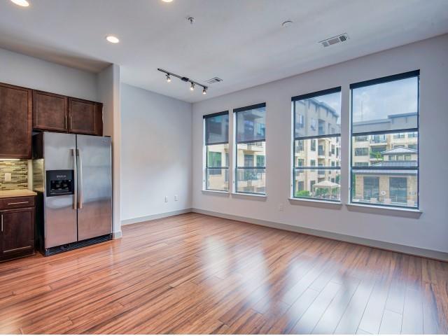 1616 W Dallas Street #330 Property Photo