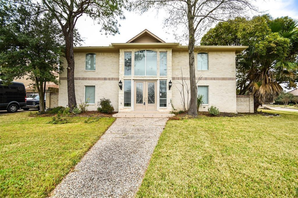 10827 Braesridge Drive Property Photo - Houston, TX real estate listing