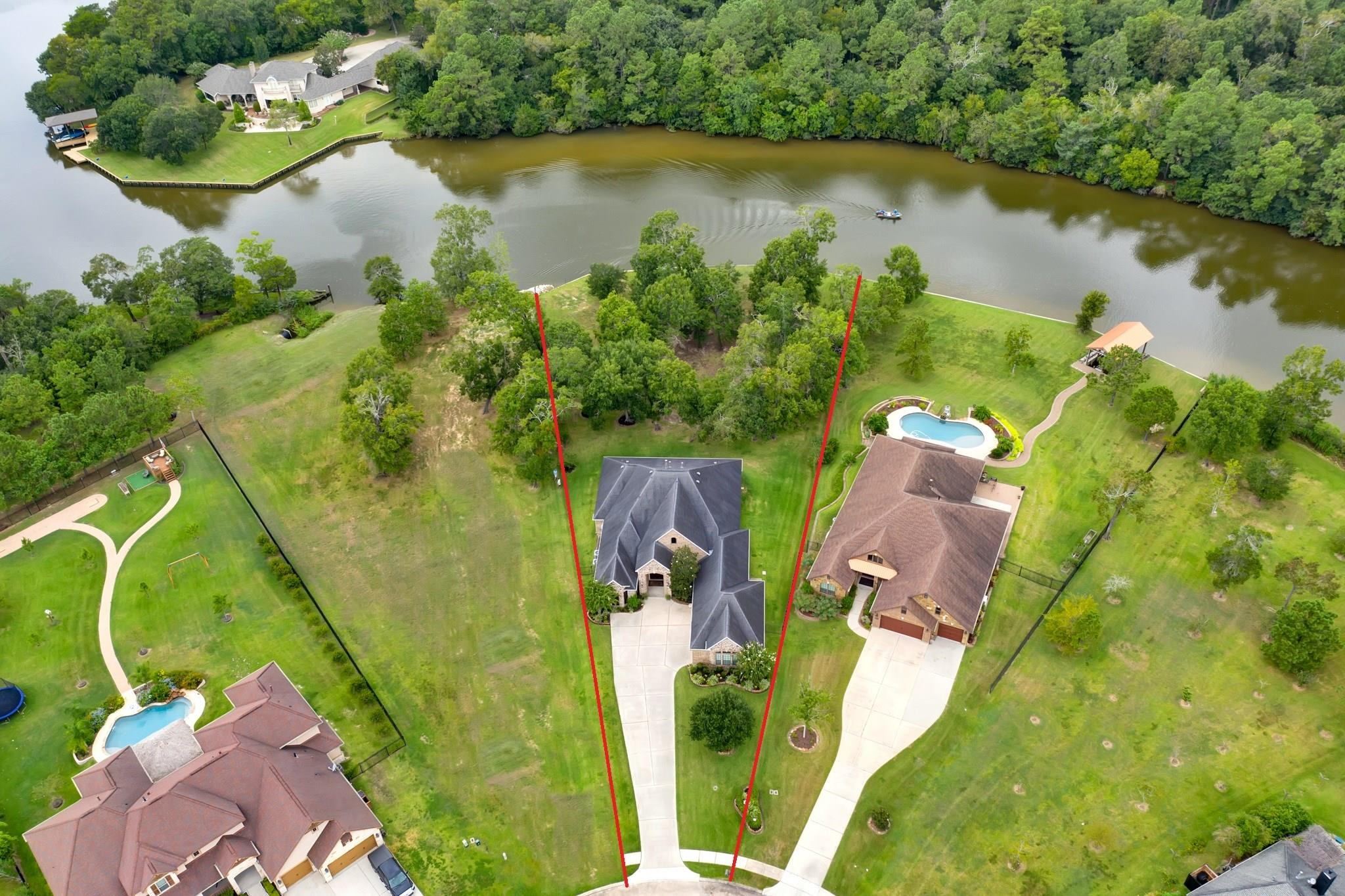 5220 Forest Cove Drive Property Photo - Dickinson, TX real estate listing