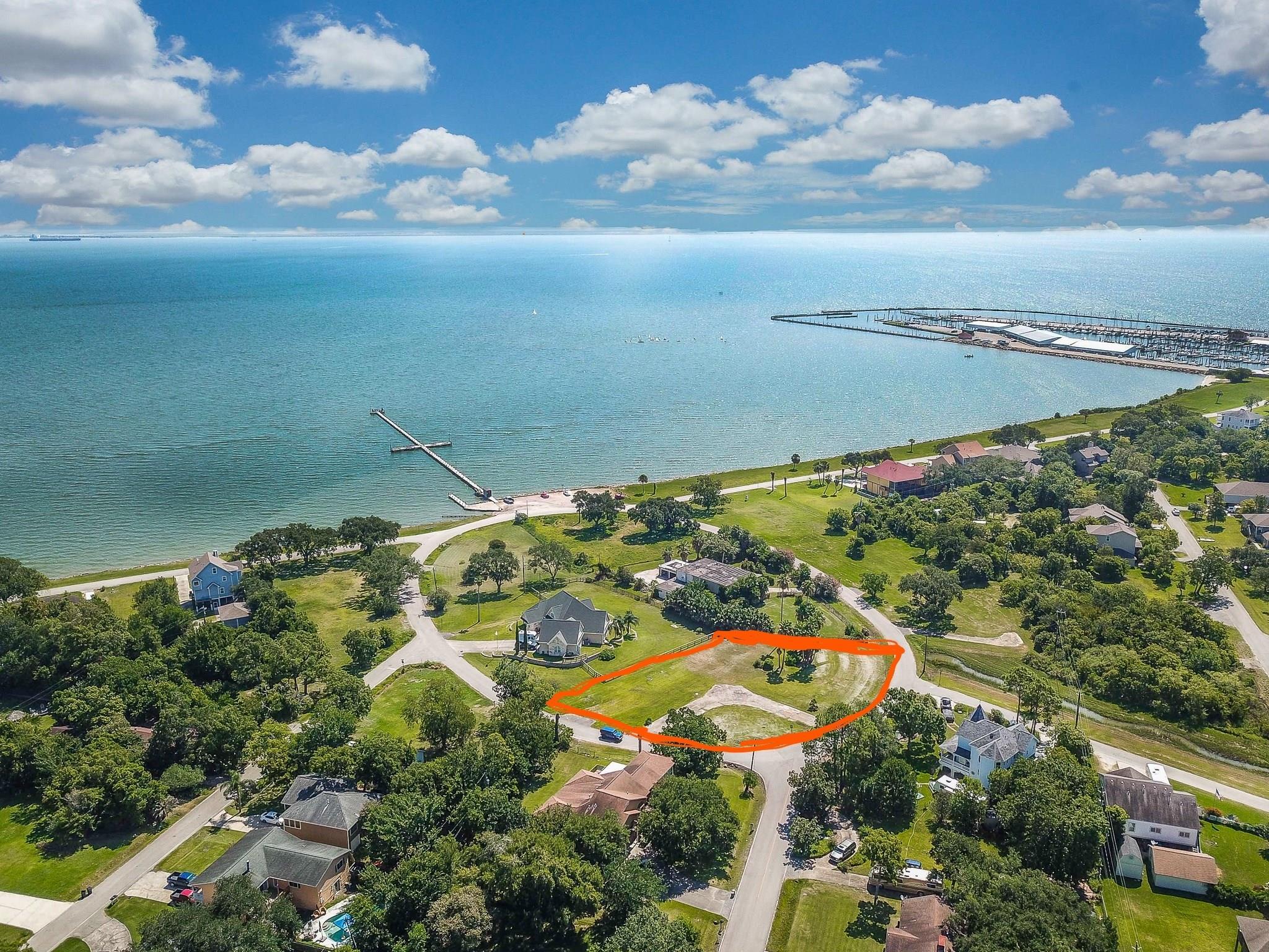 130 Shore Acres Boulevard Property Photo